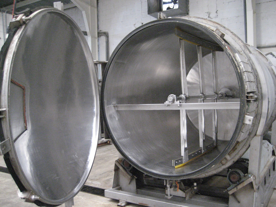 Vacuum tank used for olive oil extraction