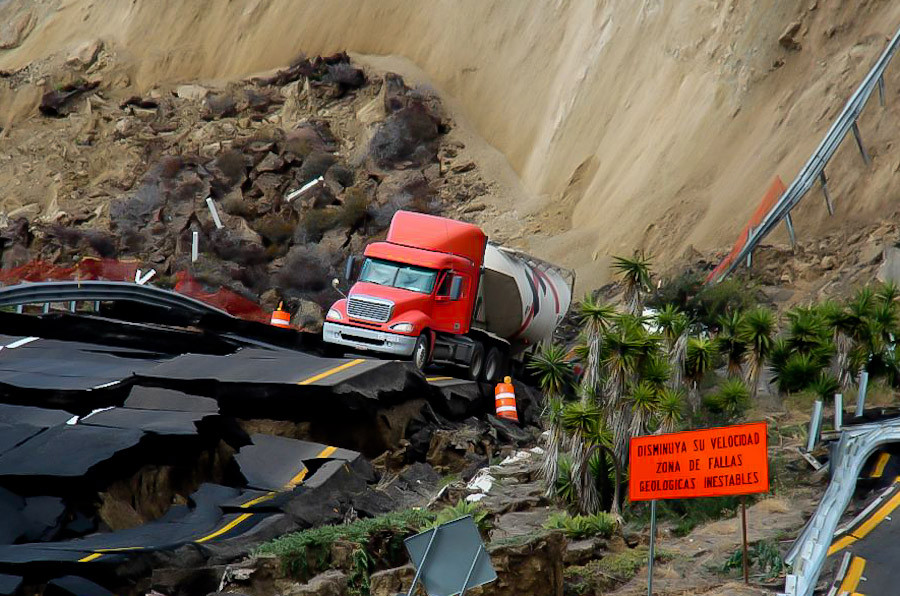 Ensenada highway reopens until it falls into the ocean again