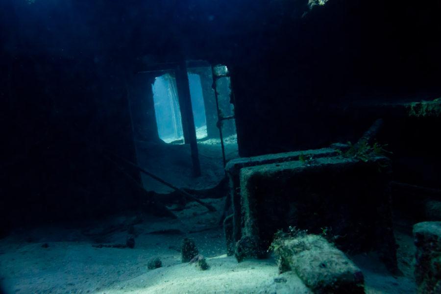Inside wreck Kattiwake