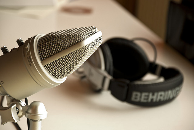 5 Natural & Healthy Living Podcasts to Listen To