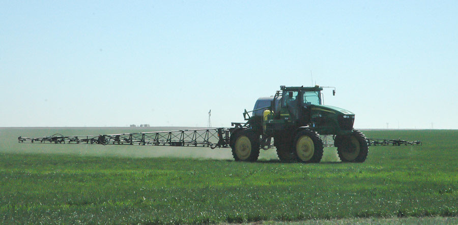 Reasons the Modern Farmer Sprays Herbicides