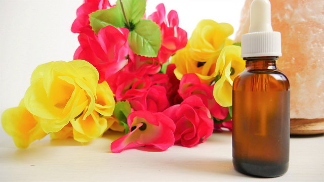 7 Beneficial Essential Oils and How to Use Them