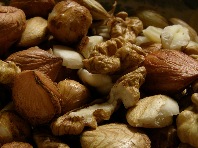 The Many Types of Nuts and Which Nuts Are the Healthiest