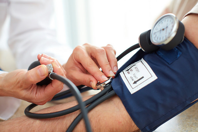 Causes of Abnormal Blood Pressure and Natural Treatment Suggestions