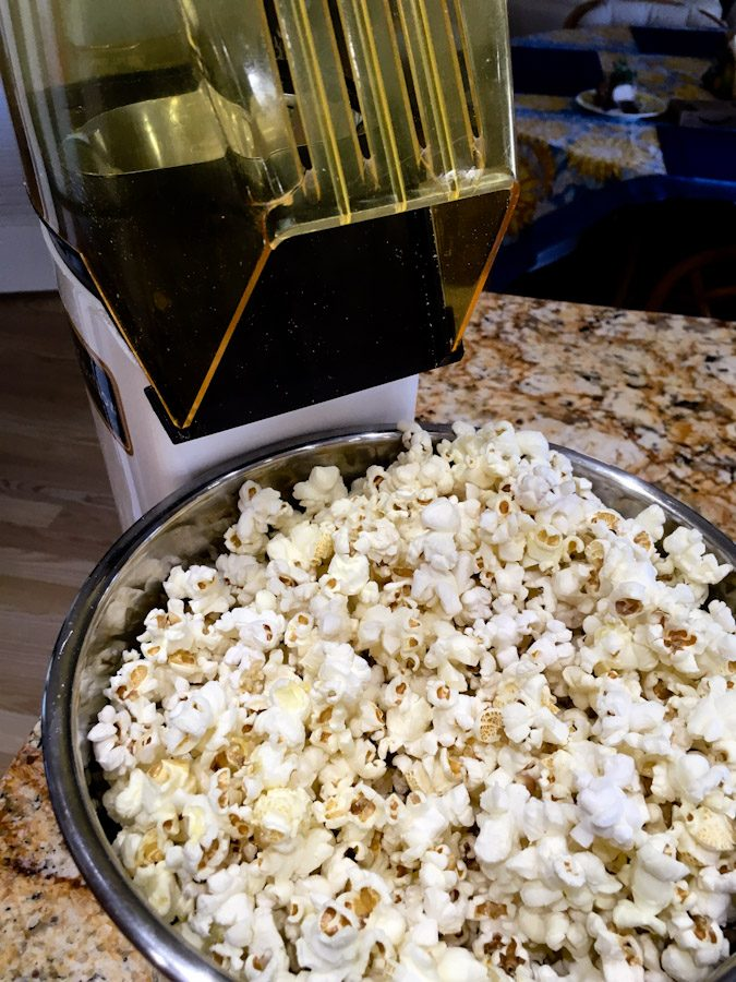 A healthy way to make popcorn